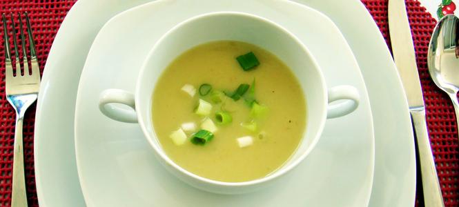Sopa fria de alho poró
